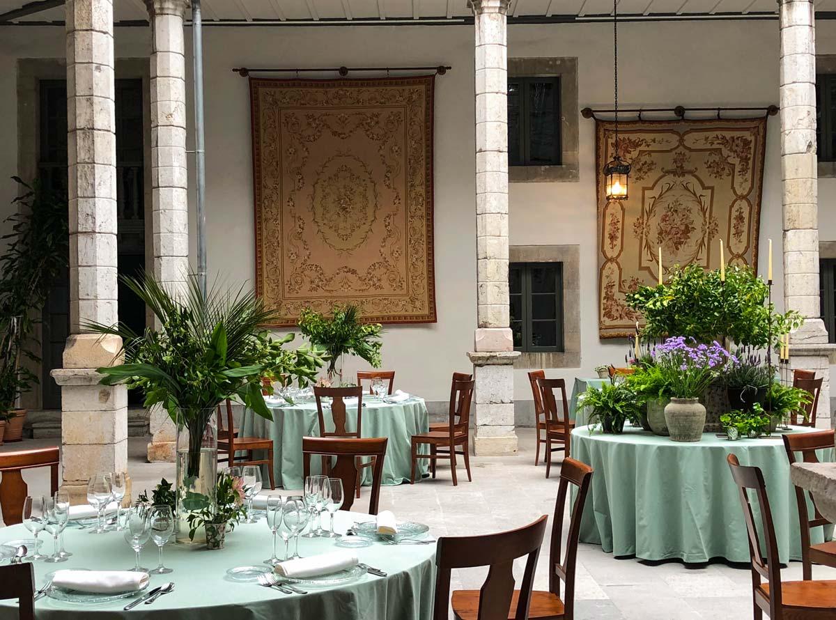 Salón Palacio de Moutas para bodas Deloya Gastronomía