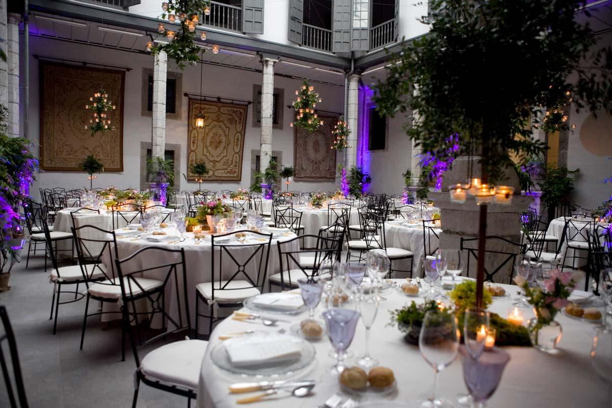Palacio de moutas, patio montado para boda. Deloya Gastronomía Bodas y Eventos